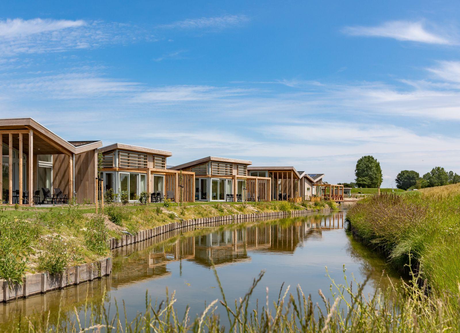 Aanbieding vakantiehuisje Kust Nederland 🏕️Roompot Water Village
