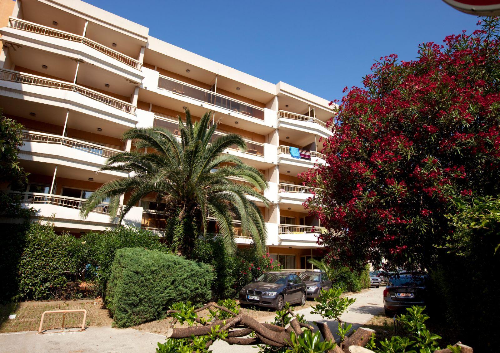 Korting vakantiepark Côte d'Azur 🏕️Pierre & Vacances Résidence Les Platanes